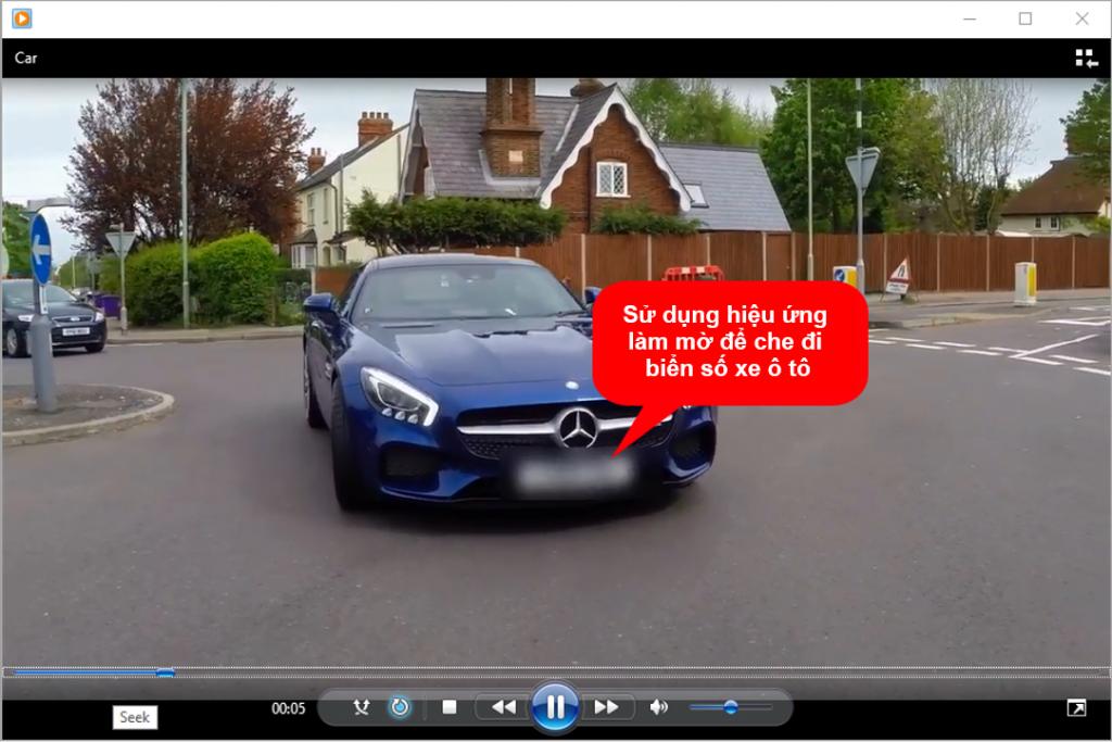 Sử dụng hiệu ứng làm mờ để che đi biển số xe ô tô