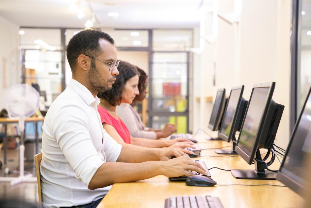 Cách Tạo Và Trộn Đề Thi Online Với ActivePresenter 8