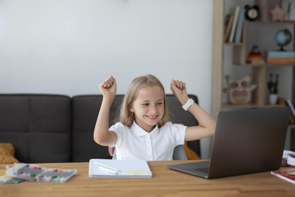 Phát triển trí tuệ cảm xúc cho học sinh qua các phương pháp